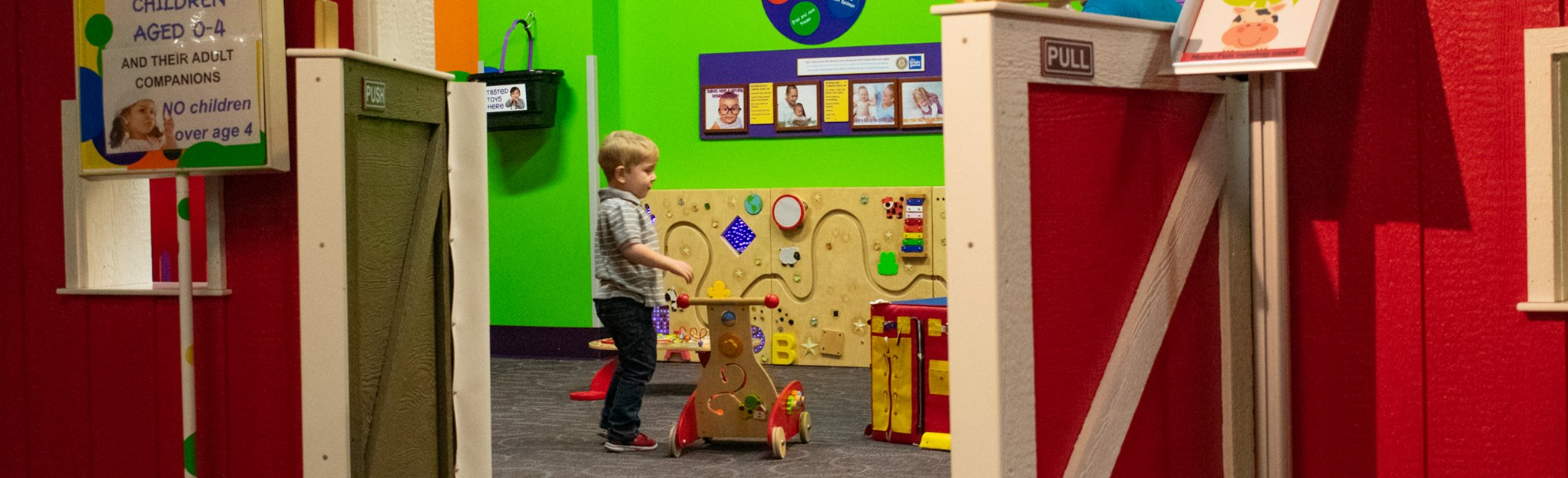 wiggles & giggles | preschool | toddler | exhibits | Children's Museum of La Crosse | funmuseum.org