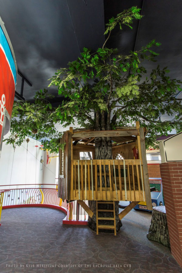Children's Museum of La Crosse Tree & Treehouse Exhibit